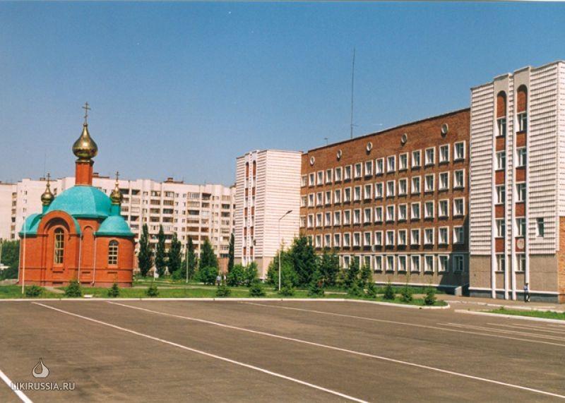 Главная площадь Омской академии МВД России