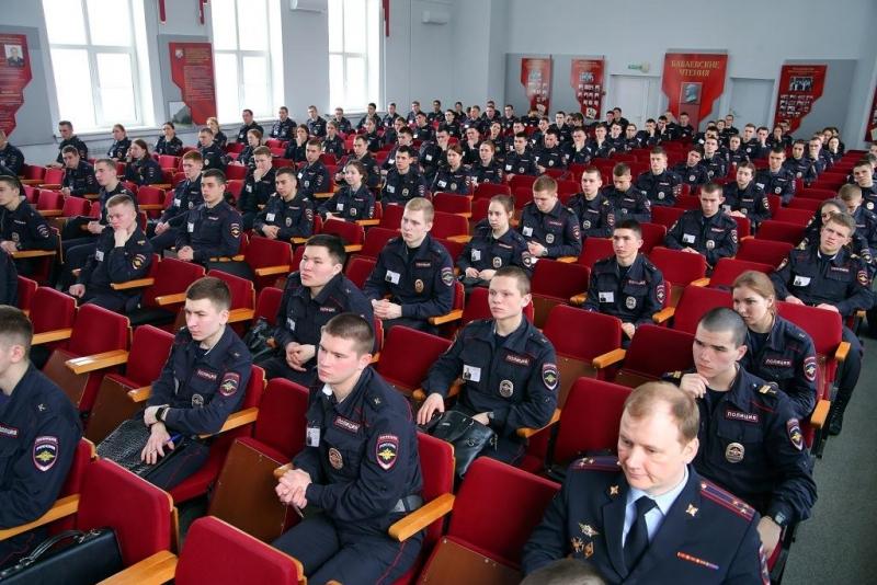 Вступительные испытания в Нижегородскую академию МВД России