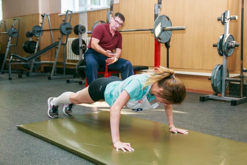 Силовые комплексные упражнения для девушек при поступлении в институт МВД